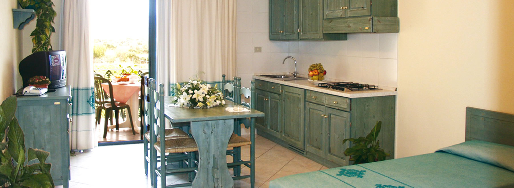 Bilocale per 5 persone residence marina palace for Appartamenti orosei